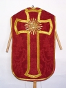 Ornement rouge 1 : chasuble, étole, bourse de corporal, voile de calice
