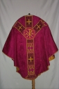 Ornement rouge 2 : chasuble, voile du calice