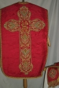 Ornement rouge 2 : chasuble, étole, bourse de corporal.voile de calice